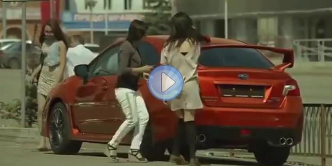 Olur Olmaz Renk Değiştiren Araba
