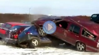 Volvo'yu Parçalamak ne kadar zor olabilir ki…