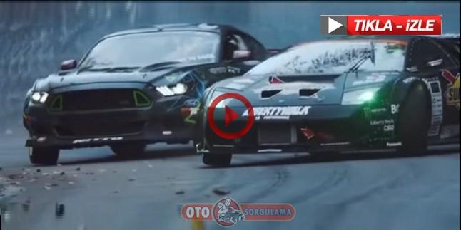 Mustang ile Lamborghini nefes kesen dağ yolunda ki drifti