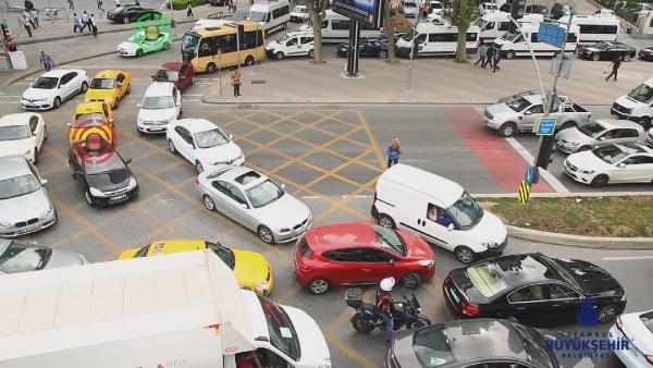 trafikte-yeni-uygulama-kavsaklara dikkat 2