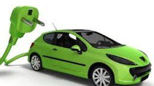 Otomotiv yöneticileri elektrikli araçların geleceğine inanmıyor. Buna göre üst düzey yöneticilerin çoğu elektrikli otomobillerin geleceğine inanmıyor.
